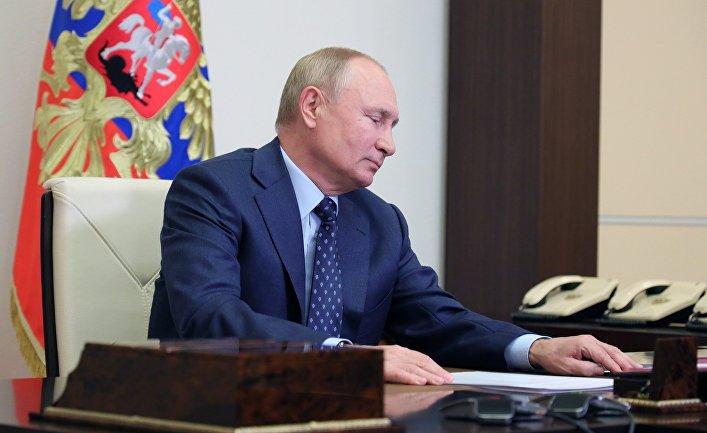 Президент РФ В. Путин провел заседание Совбеза РФ