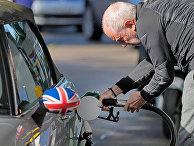 Мужчина на заправочной станции в Лондоне