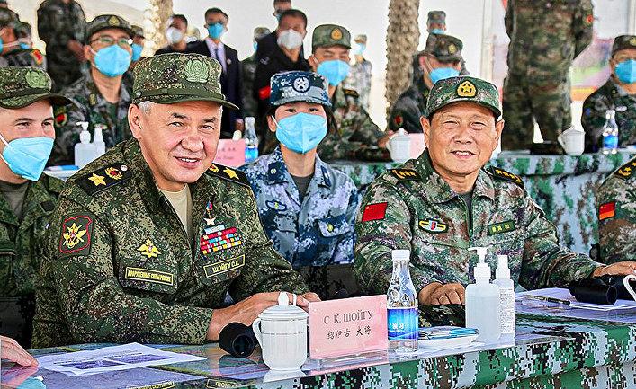 Министр обороны России Сергей Шойгу и министр обороны Китая Вэй Фэнхэ