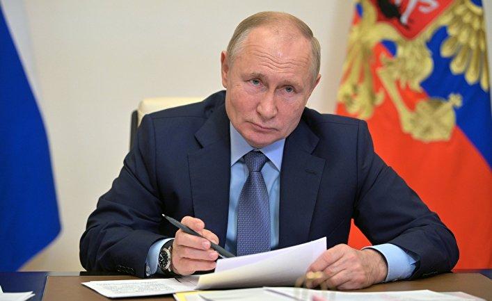 Daily Mail (Великобритагния): Путин осуждает «чудовищный» Запад за пропаганду смены пола и заявил, что это «на грани преступления против человечности»