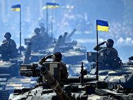 Украинские танки во время военного парада в Киеве